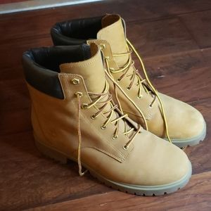 Timberlands Ladies Size 9